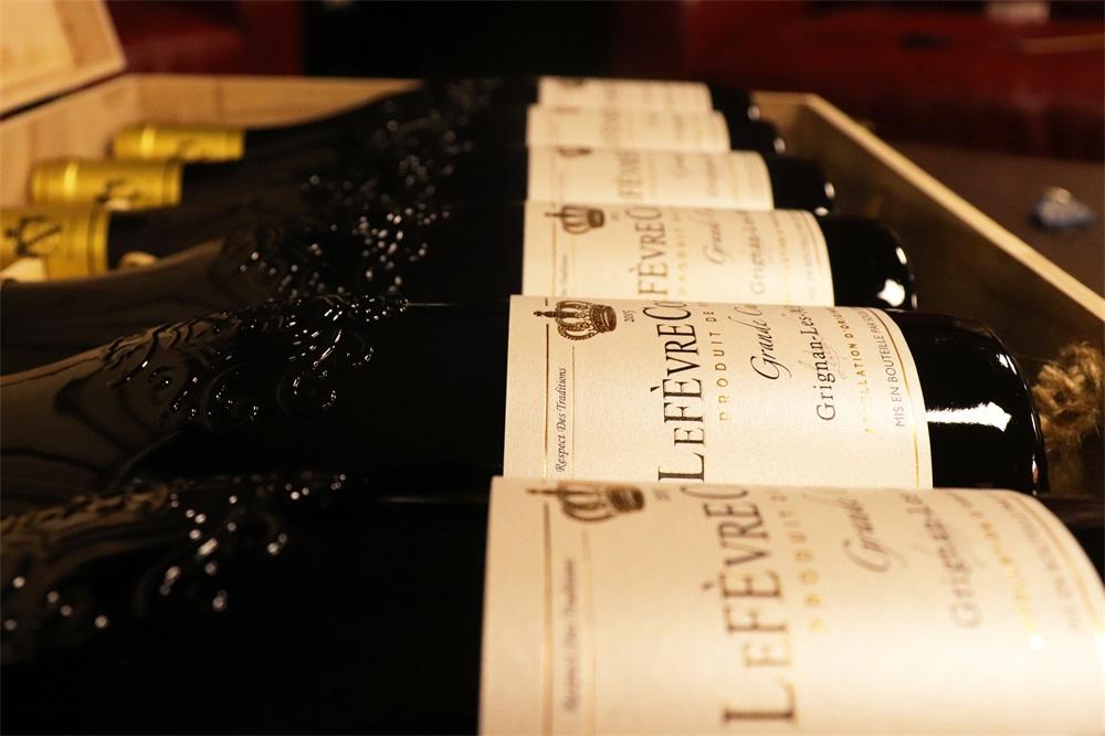 做葡萄酒批发生意的发展好不好